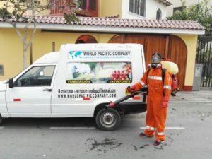 Fumigación de casas para eliminar cucarachas